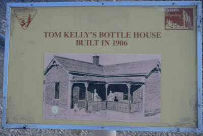 Sign at the Tom Kelly bottle house