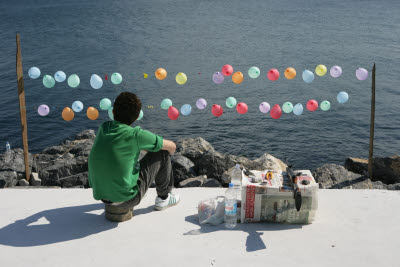 Shooting balloons on the Sea of Marmara